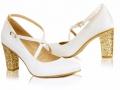 Model 107, materiał mira ecru, wys. obcasa 8 cm, obcas nr 3 (złoto BIT), zapięcie krzyżakowe, cappucino spód