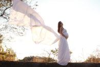 suknia ślubna ciążowa