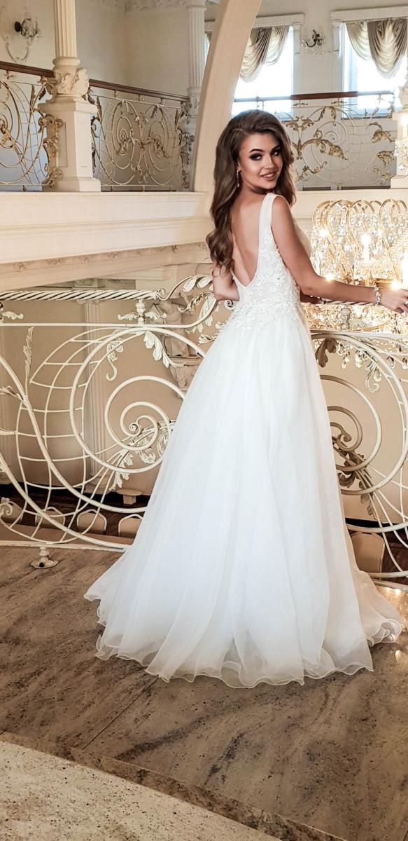 suknia ślubna z kolekcji 2019